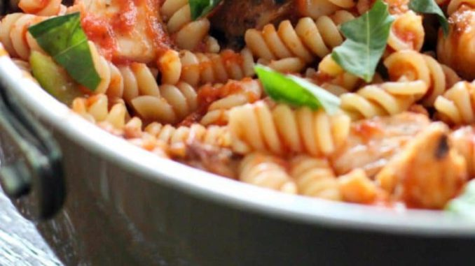 Easy Tomato Basil Chicken – One Pot Meal