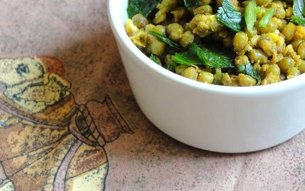 Gujarati Dry Mung Bean Curry