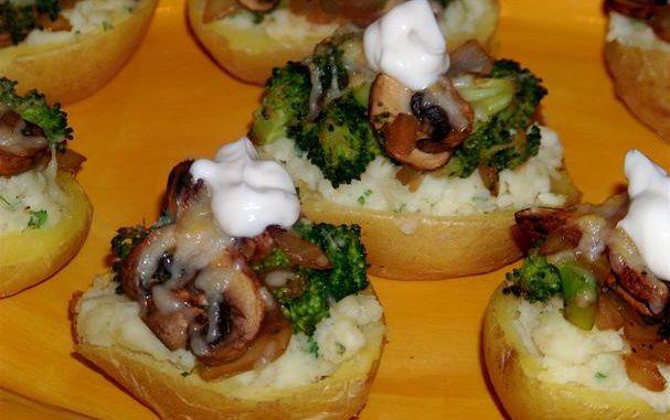 Knock Your Socks Off Stuffed Potatoes With Broccoli and Mushrooms