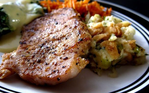 Easy Pork Chops on Stuffing