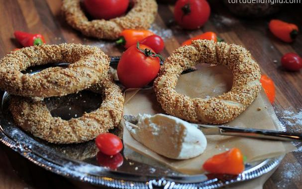 Simit (Turkish Circular Bread)