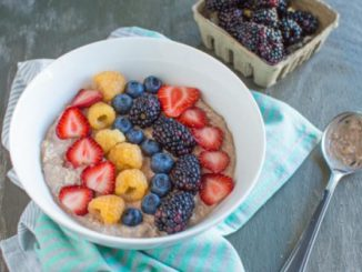 Chocolate Overnight Oats & Berries