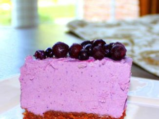 "Raw Vegan Blueberry Chocolate Crust ""Cheesecake"