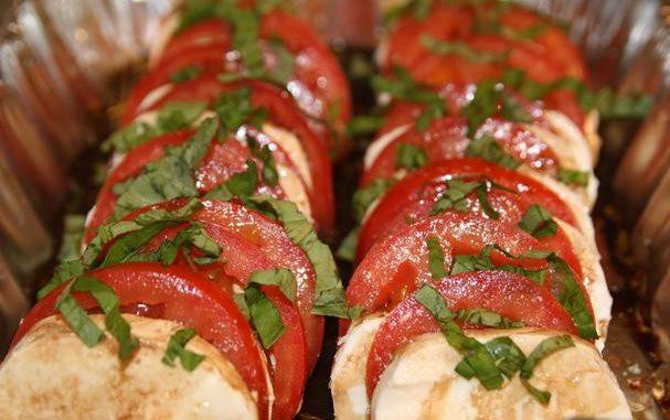 Fresh Tomato Mozzarella Side Salad