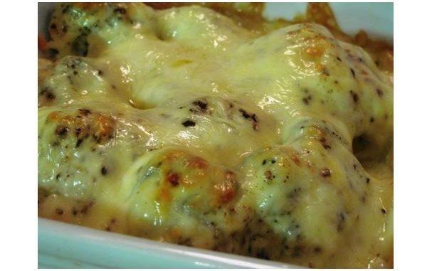Broccoli and Creamy Cheese