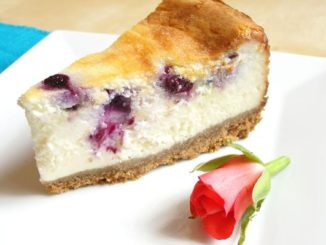 Eggless Blueberry and White Chocolate Baked Cheesecake