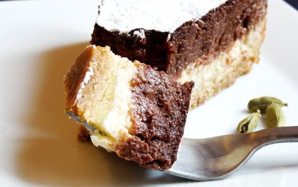 Eggless Cardamom and Chocolate Cheesecake
