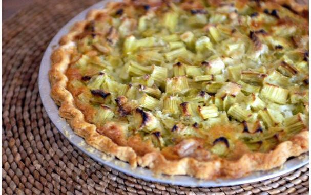 Delicious Rhubarb Custard Pie