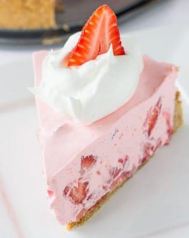 No Bake Strawberry and Cream Pie